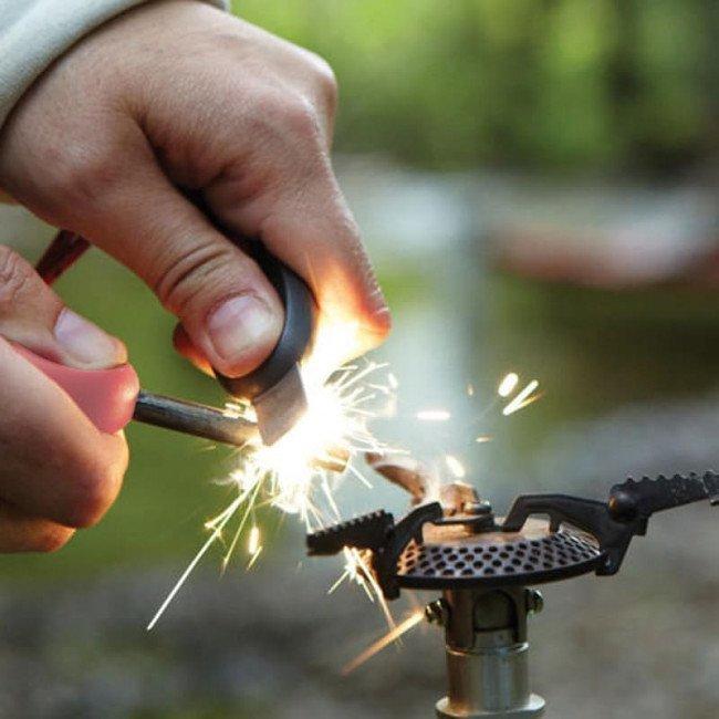 Фото 2 в 1 - огниво + свисток LIGHT MY FIRE Swedish FireSteel Scout розовое, блистер купить в Украине по недорогой цене для рыбалки